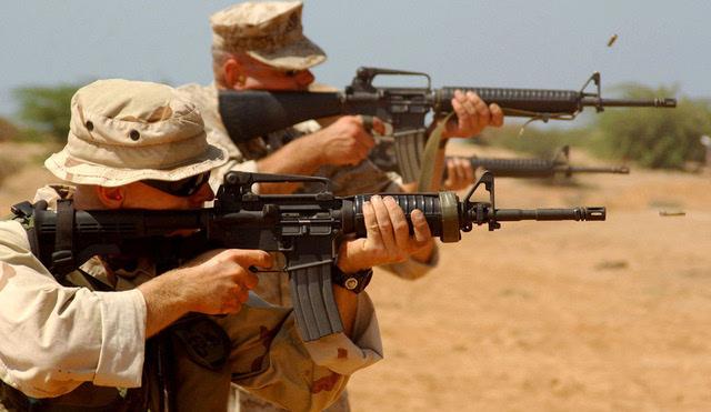 美军m4卡宾枪与m16并驾使用,看中了什么?
