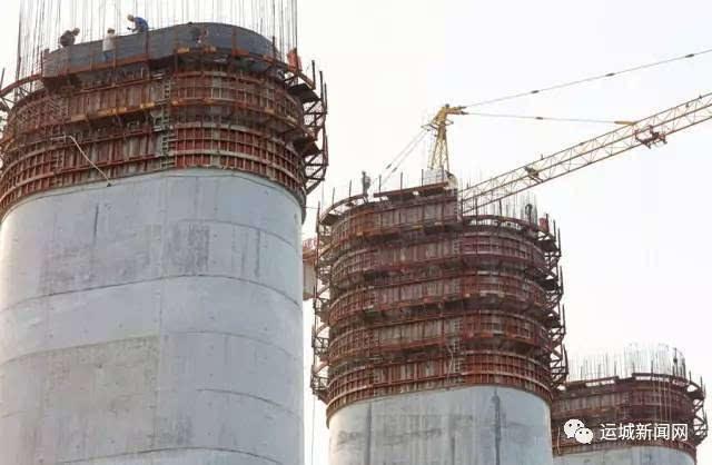 蒙华铁路河津段汾河特大桥建筑进行时图片