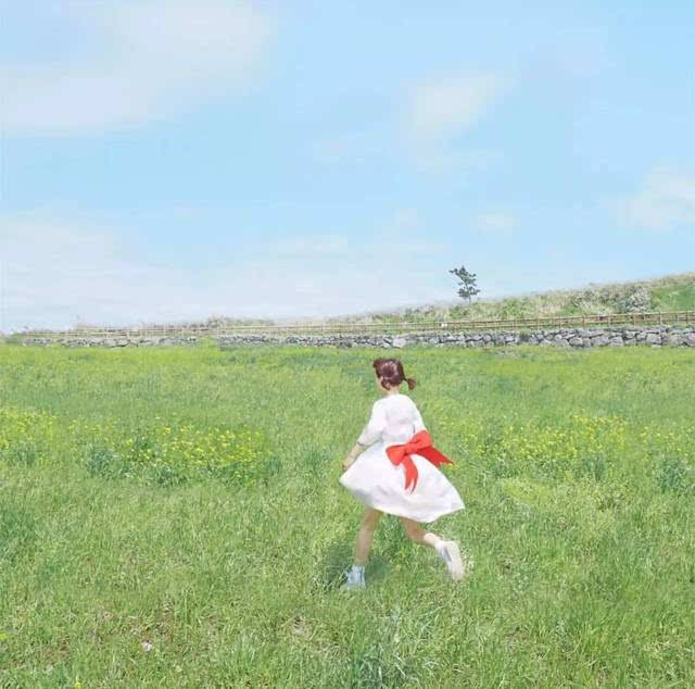 想要拍好「少女 × 夏天」,跟着这些 ins 摄影师学大招!图片