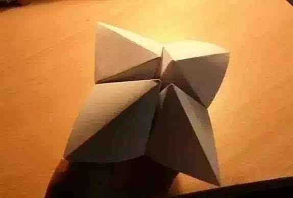 纸叠五角星的步骤图解
