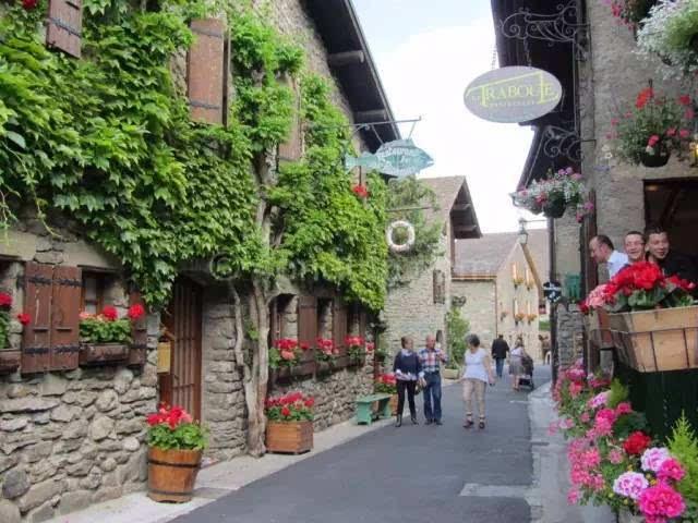 花和阳光宠爱的外国小镇,哪个是你终老的梦想地
