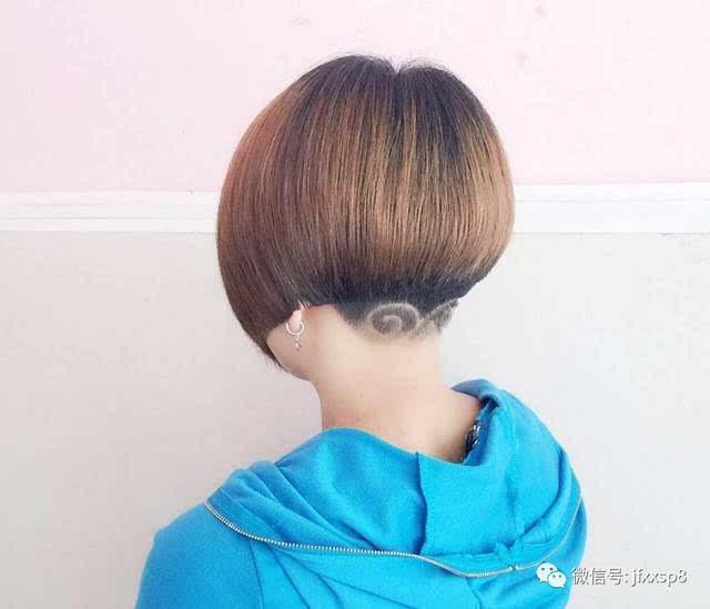 今天小编给大带来了一款短发发型雕刻,让你不在是简单单一的短发,让你图片
