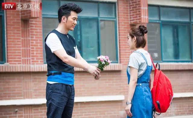 剧中,张佳宁饰演的常天慧从小就是个好孩子,成绩优秀,是父母心中的