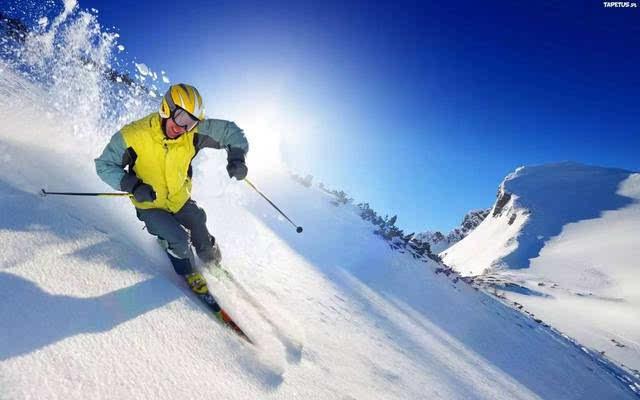 大连将军石海景滑雪场作为国内唯一的海景滑雪场.