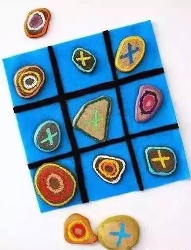 不织布diy棋盘,涂鸦石头棋子,在大自然中玩跳棋,惬意十足.