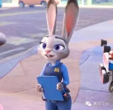 生一堆小兔子这种命运,所以她义无反顾地到了动物城,争取平等实现梦想图片