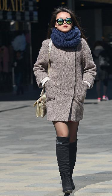 街拍 春季北京丝袜美女秀性感 组图图片