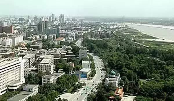 城市人口结构_有关十大城市的人口数