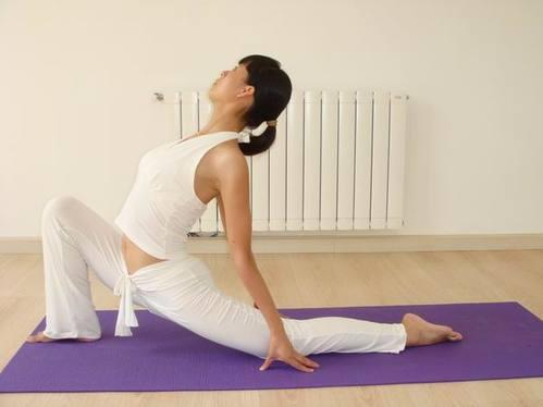 初级瑜伽入门动作入门姿势详解 减肥频道