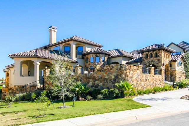 高端美式别墅外观图片