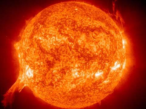 太阳风暴引发的木星极光 亮度超地球极光百倍