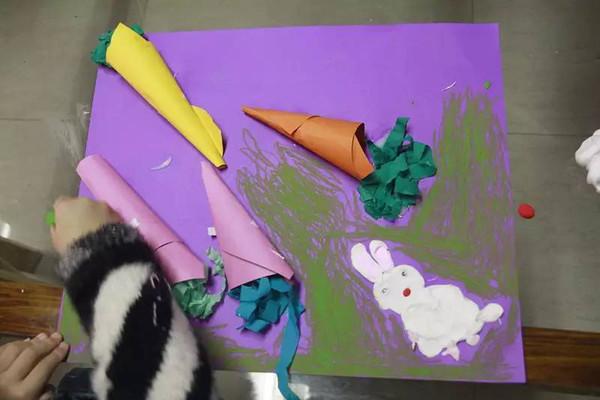 用橡皮泥捏出小兔子