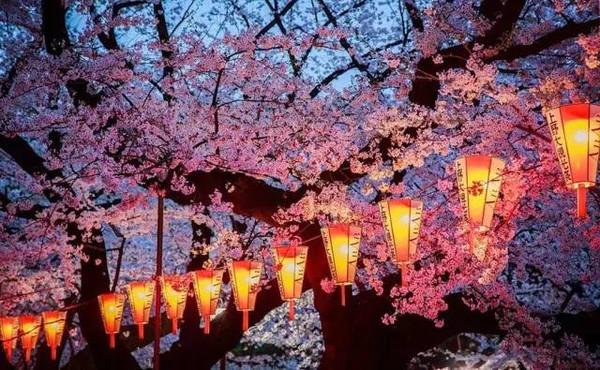 日式卡通春天风景图片