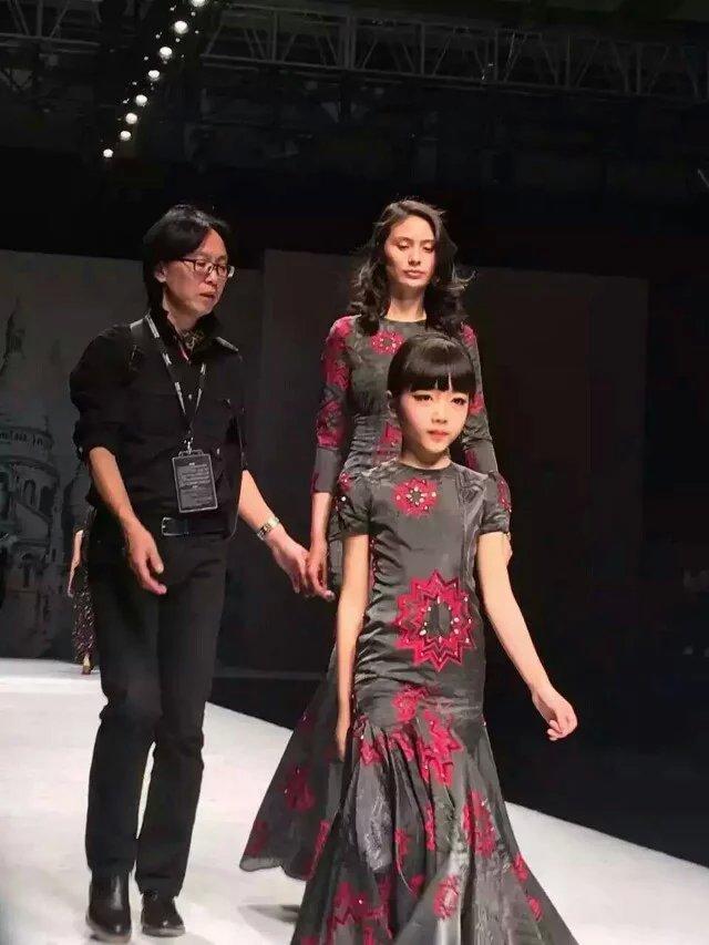 荣艺婷:厦门童模首次走上中国国际时装!
