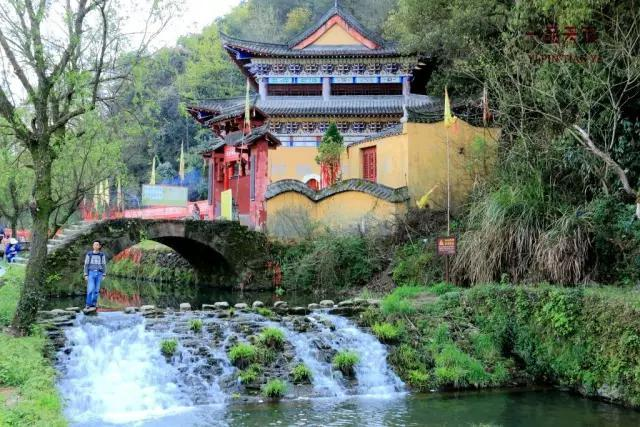 查龙李坑:酒店流水中的徽州人家别墅婺源阿小桥好不好图片