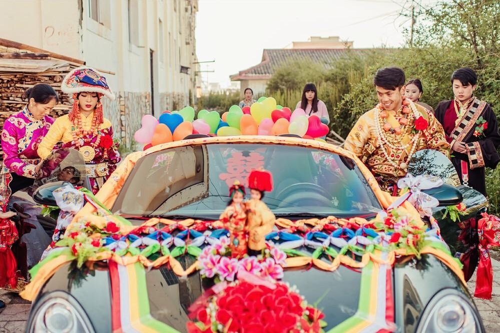 圣地爱情 | 在色达感受一场超震撼的藏式婚礼!图片