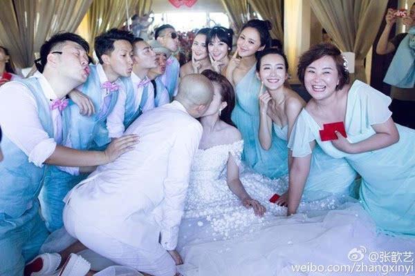【珠宝秀场】恋爱结婚的甜蜜季 婚戒才是秀恩爱的杀手锏!