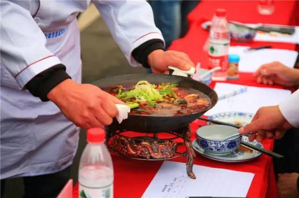 2016肥东(中国)美食文化节盛大启幕,据说吃货清宫华附近美食