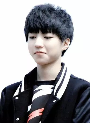 帅气男生刘海发型,男韩式刘海染发发型先烫发可以过多久烫发图片