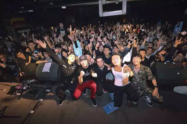 4.15左右乐队全国巡演青岛站,让我们向热血与青春致敬