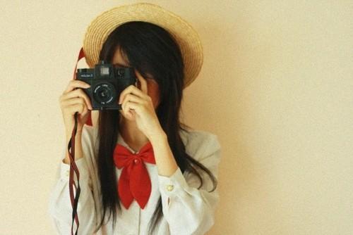 持相机拍照女背面手绘