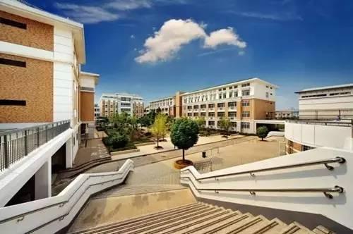 武汉逆天的高中,一本录取率近100%辽化高中明瑟向图片