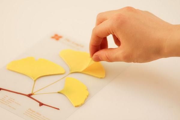 创意办公用品:银杏树叶样式的便签图片