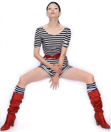 她是中国最 丑 的模特,也是穿衣最潮的模特