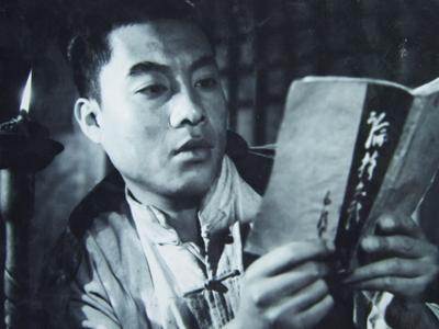 他是《西游记》中的如来佛祖,《地道战》中的队长