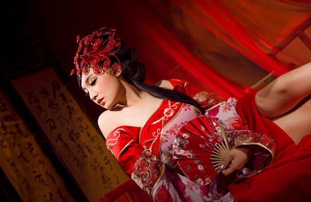 婚纱照:韩式和中国复古风
