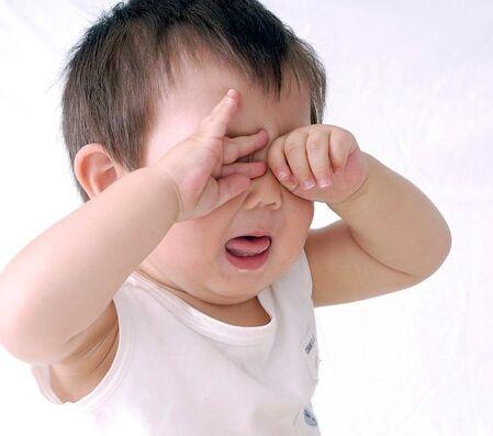 四個月寶寶哭可不可以不管