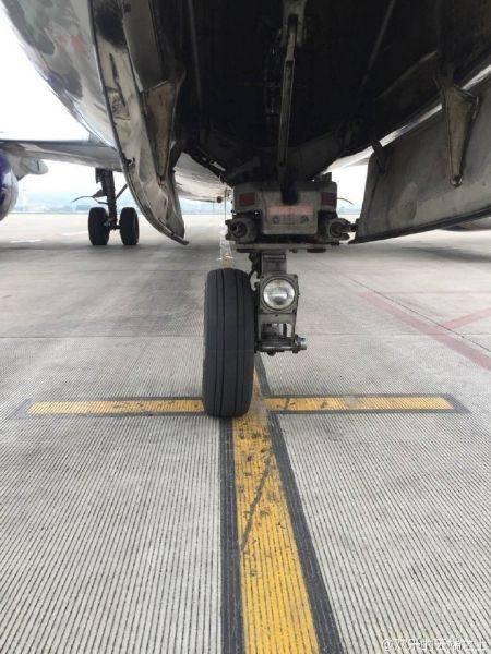 泰国飞机降落广西后 前轮丢了