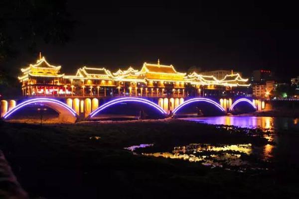 华蓥gdp_广安华蓥 小手机打开世界经济大门 组图(2)