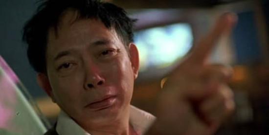 电影少林足球里周星驰和铁头功在酒吧里唱的那首叫什么歌,少林