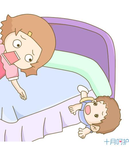 带着宝宝玩手机!爸爸妈妈可不要留下遗憾了