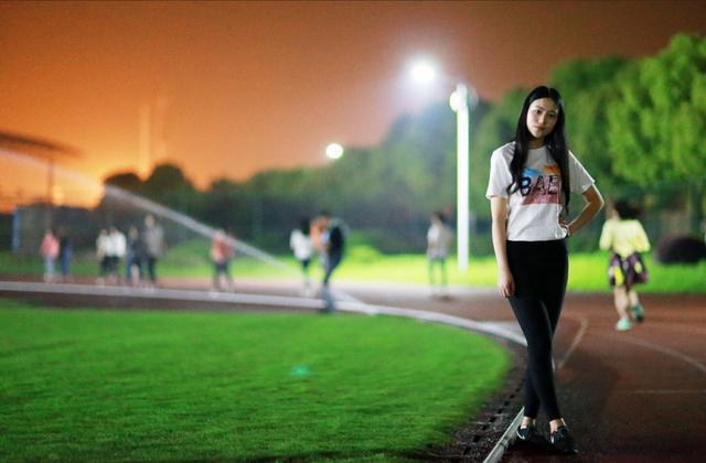 武汉高校最美夜跑道,承载你在武商院青春记忆