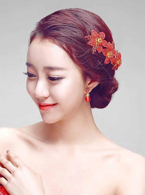 秀禾服新娘发型图片,尽显东方女性美感 (584x785)-收集到 秀禾发型图片