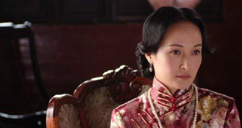 与亲姨性爱_而后,马睿又接拍了《名门劫》,饰演的三姨太,生性爱嫉妒,耍尽小阴谋.
