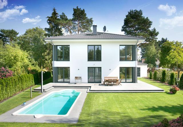 农村独栋二层小别墅游泳池