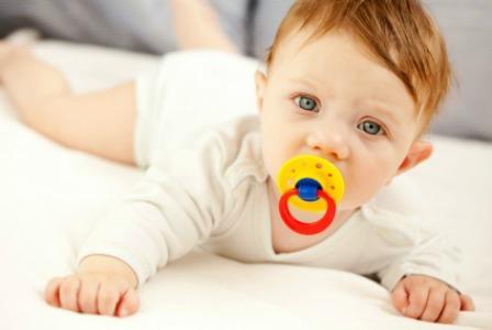 宝宝用安抚奶嘴好吗?