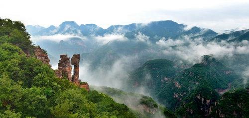旅游 正文  新安县在郑州举行旅游新闻发布会提出,今年新安县旅游实行