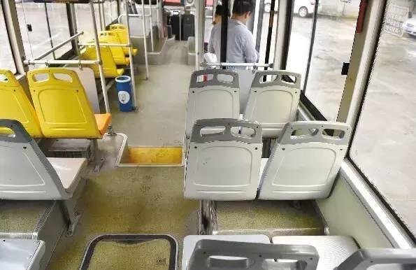 现代建筑靖简笔画-成都公交车上丢东西六成都是 低头族 三种找回失