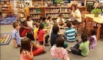 """看美国老师教阅读才觉得当年语文课的""""背诵全文""""全白背了"""