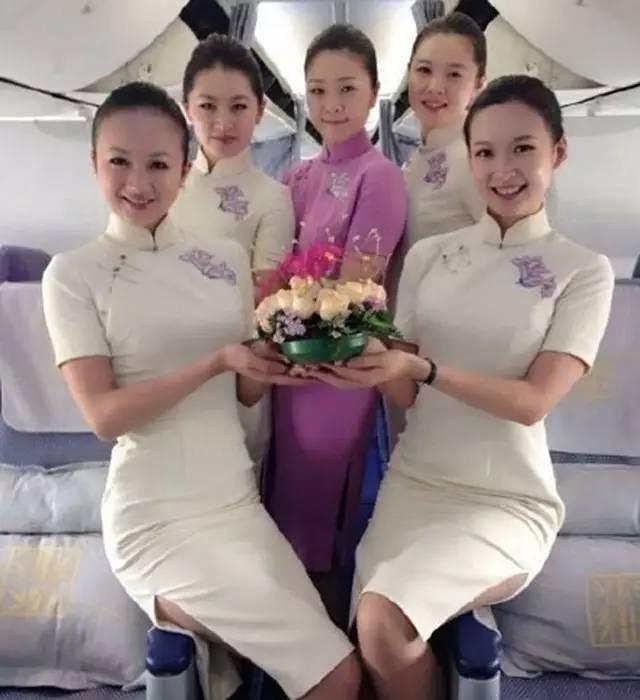 机上,一定有位空姐是你想泡的图片