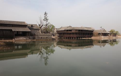 丹仙镇佰亿建风情小镇 相当于八个清皓上河园