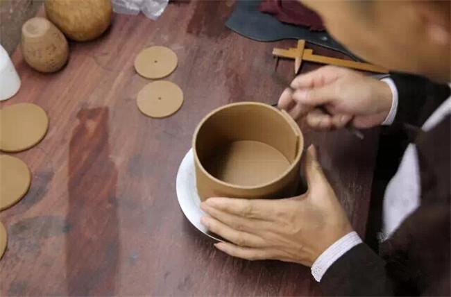 手工制作紫砂壶