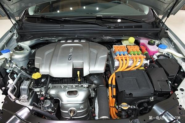 2016款荣威e550百公里油耗低至1.6l、百公里耗电仅13度. 高清图片