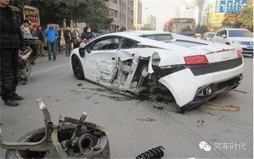 梦见老公开车出车祸 自己受伤严重