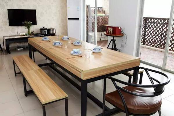 餐厅 餐桌 家具 书桌 装修 桌 桌椅 桌子 600_400