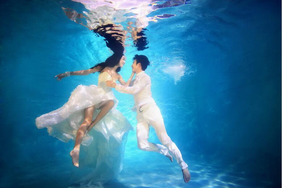北京婚纱摄影;拍水下唯美婚纱照注意事项